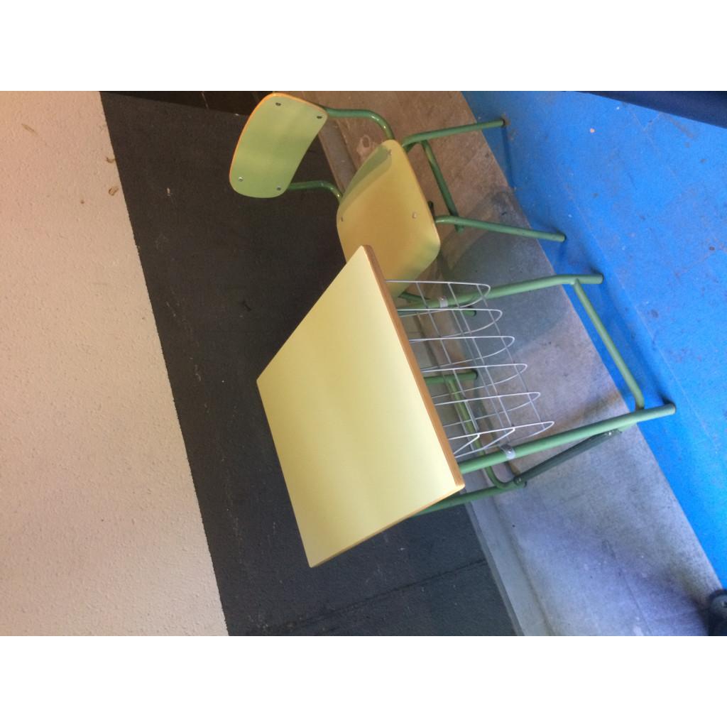 Sillas y mesas para aulas