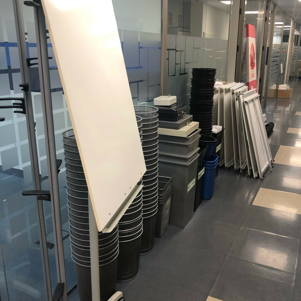 Papeleras de aluminio de oficina