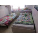 Dormitorio juvenil completo y estor y lámpara